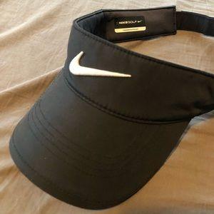Men's Nike golf visor